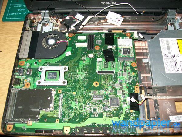 Toshiba Satellite L300 zerlegen und reinigen - Wandpapier